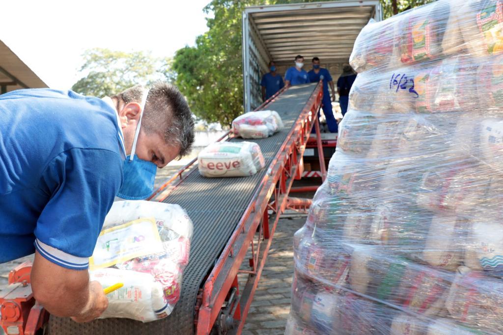 80 mil cestas básicas são distribuídas em três semanas.